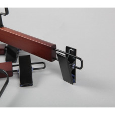 Вешалка (плечики) для одежды деревянная, с прищепками WS 006/1(красн/черн)